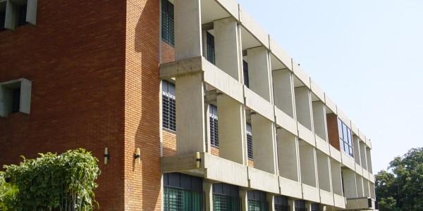 Edificio Administrativo Guacara